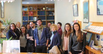 Estudiantes de Turismo se forman en la Tourist Info de Benicàssim