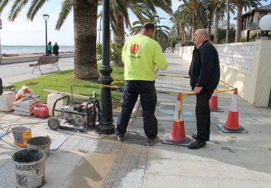 Benicàssim mejora el pavimento del paseo marítimo