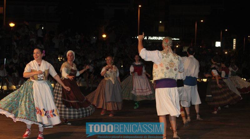 Baile, música y dulces para la noche de San Juan en Benicàssim