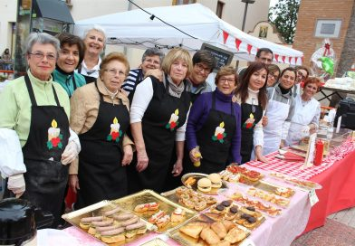 El mercadillo solidario impregna Benicàssim del mejor espíritu navideño