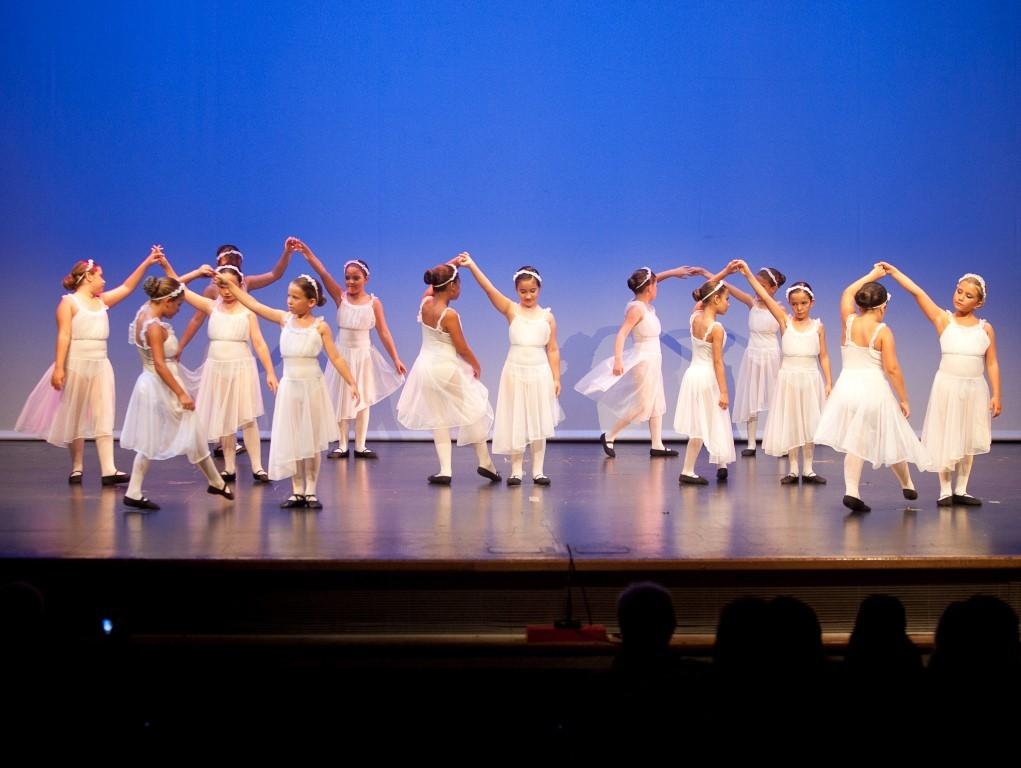 6c911562724d ... danza, Directora, escuela, espectáculo, Flamenco, Gala, hip, hop, juio,  junio, municipal, profesora, programación, réggia, sentimientos, teatro,  vidal, ...