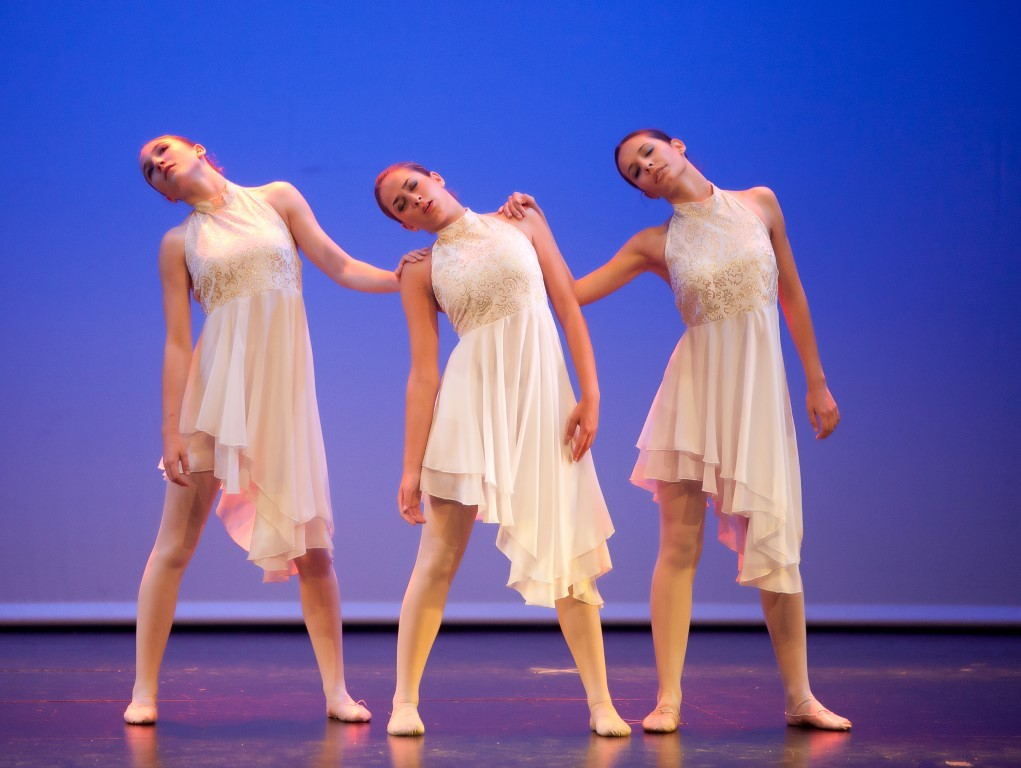 93a7d2b29f2c Escuela de Danza Aula Réggia de Benicàssim celebra su XX aniversario