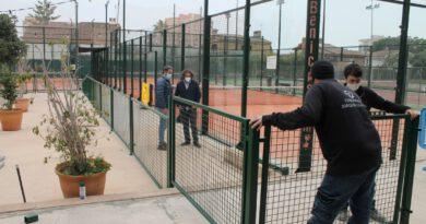 Benicàssim mejora el polideportivo mientras está cerrado por el covid