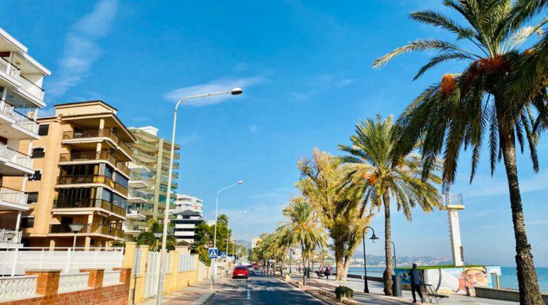 Benicàssim licitará tres chiringuitos en la playa Heliópolis este año